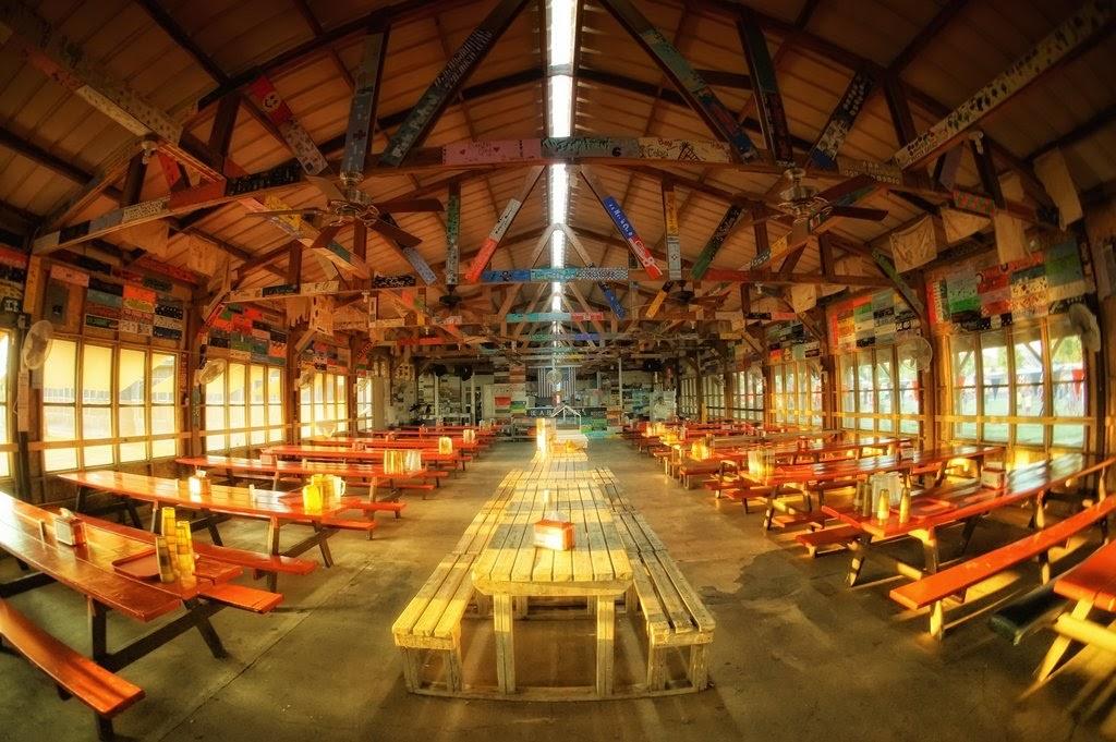 Interior of FIllin' Station